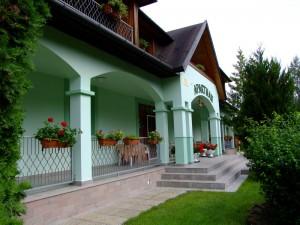Bogácsi RajnaApartman bejárata